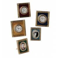 Часы квадратные с эмалью красные FABERGE 135-R