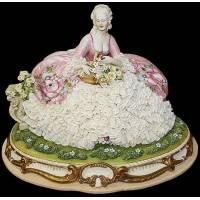 """Статуэтка """"Дама с корзиной цветов"""" Porcellane Principe 1074/PP"""